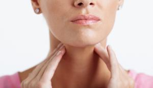 Принцип действия растворов для полоскания горла при болях