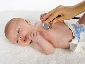 Грудничок хрюкает носом но соплей нет: особенности нормального состояния и симптомы патологии, как помочь младенцу и чего делать нельзя, грудничок хрюкать нос сопли нет насморк новорожденный почему ребенок комаровский